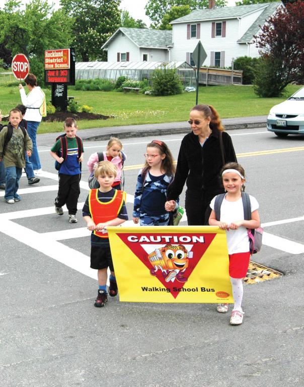 6 3400 Walking School Bus Banner I M Safe